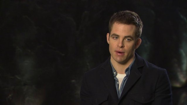 CHRIS PINE - Jack Ryan - über KENNETH BRANAGHS Rolle Viktor Cherevin - OV-Interview Poster