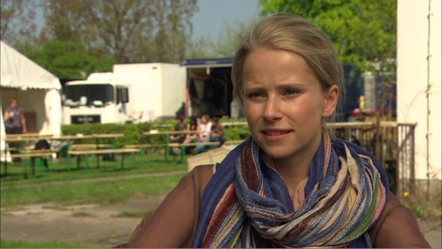 SUSANNE BORMANN - Hanna - über die Jungs am Set - Interview Poster