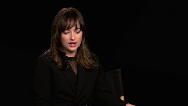 Dakota Johnson über Anas emotionale Verbindung zu Christian Grey - OV-Interview Poster