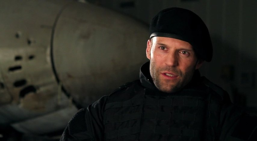 Jason Statham -Lee Christmas- über Regisseur Simon West - OV-Interview Poster