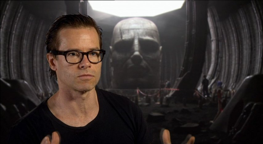Guy Pearce über Ridley Scott als Regisseur - OV-Interview Poster
