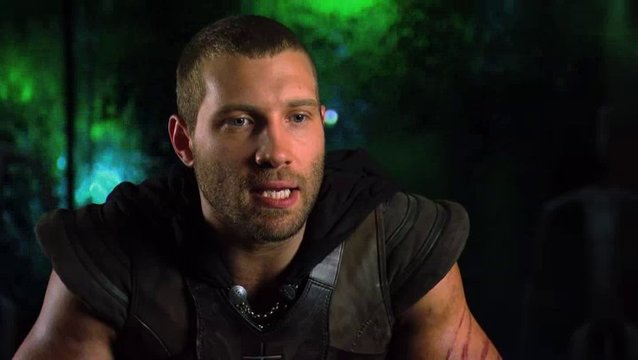 Jai Courtney über seine Rolle - OV-Interview Poster