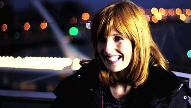 Kelly Reilly über Regenbögen am Set - OV-Interview Poster