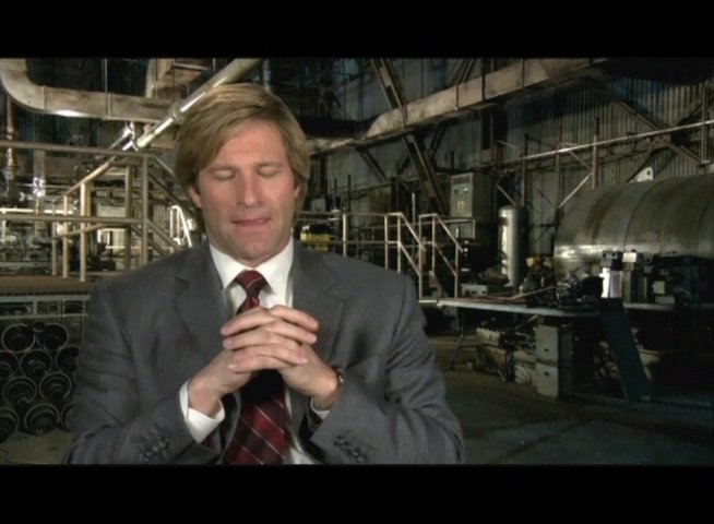 Interview mit Aaron Eckhart (Harvey Dent) - OV-Interview Poster