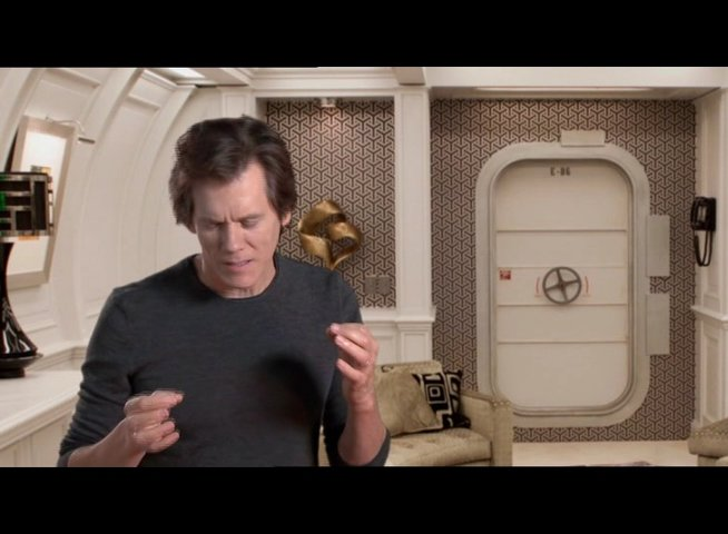 Kevin Bacon über das Produktionsdesign des Films - OV-Interview Poster