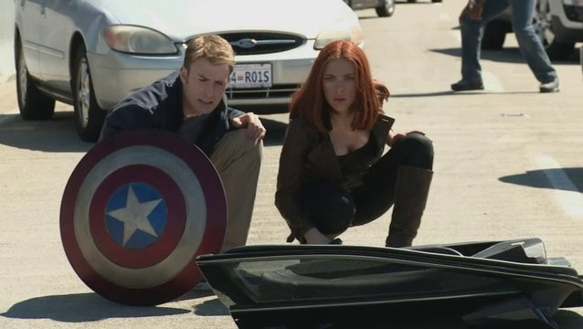 Captain America und Black Widow - Featurette Poster