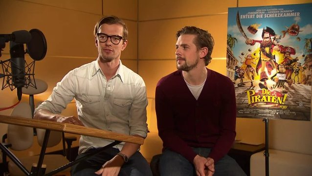 Joko & Klaas (Black Bellamy & Holzbein Hastings) Joko über seine Rolle - Interview Poster