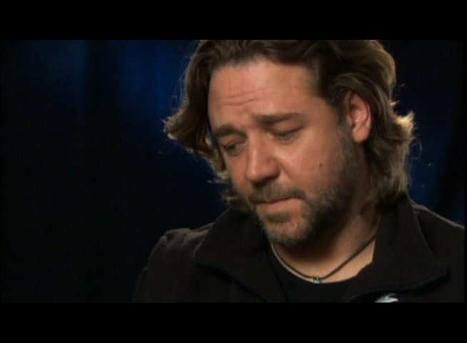Interview mit Russell Crowe (Ed Hoffman) - OV-Interview Poster