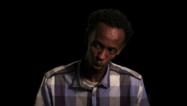 Barkhad Abdi - Muse - über Tom Hanks - OV-Interview Poster