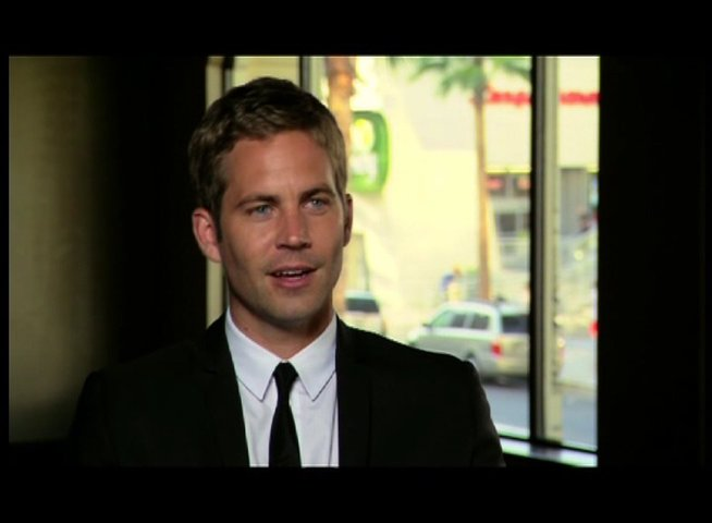 Paul Walker - ueber die Reaktion von Passanten am Set - OV-Interview Poster