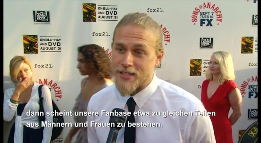 Launch Season 2 - Interview mit Charlie Hunnam Poster