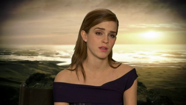 Emma Watson - Ila - über Douglas Booths Rolle Shem - OV-Interview Poster