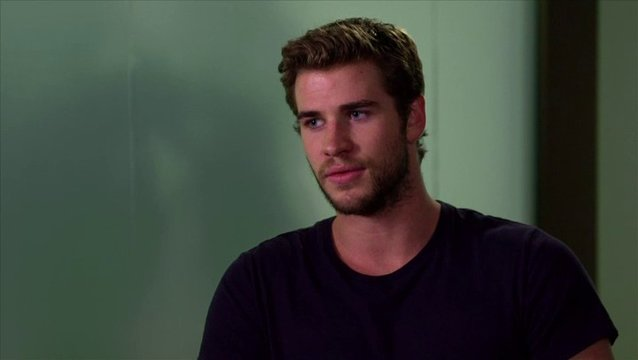 Liam Hemsworth - Adam Cassidy - über den Film - OV-Interview Poster