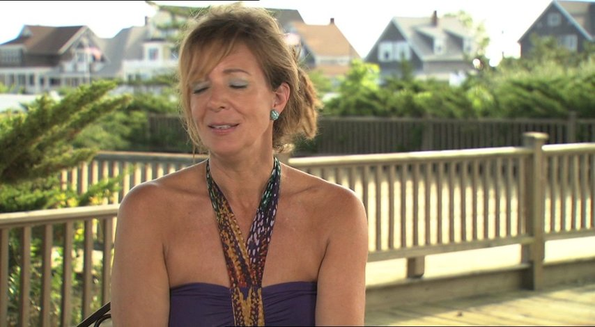 Allison Janney - Betty - über ihre Rolle - OV-Interview Poster