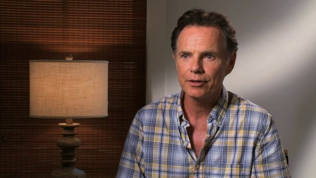 Bruce Greenwood - Hugh Butterfield - über Alex Pettyfer als David Elliot - OV-Interview Poster