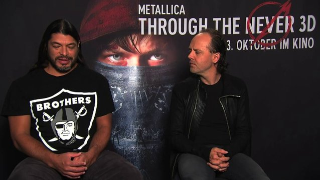 Robert Trujillo über die IMAX-Fanpremiere in Berlin - OV-Interview Poster