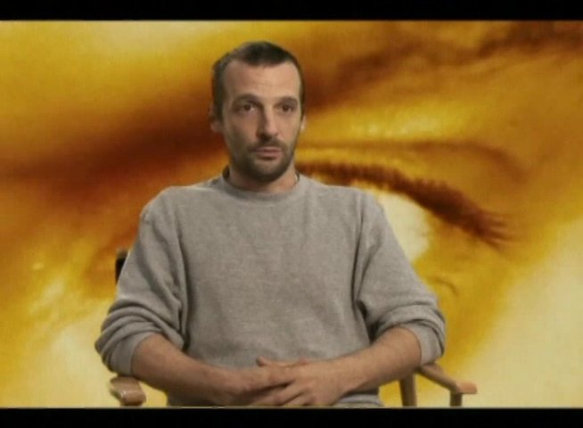 Interview mit Regisseur und Drehbuchautor Mathieu Kassovitz - OV-Interview Poster