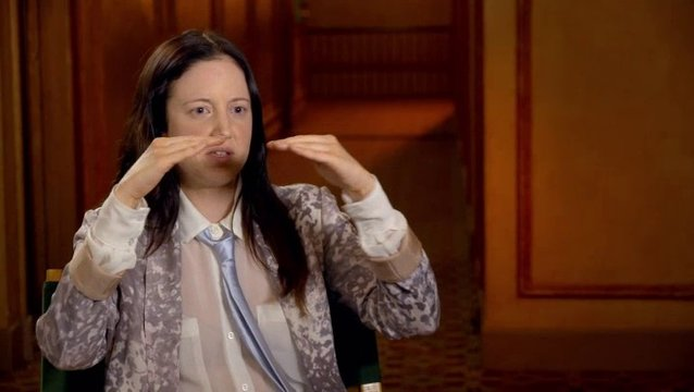 Andrea Riseborough - Laura - über ihre Rolle als Laura - OV-Interview Poster