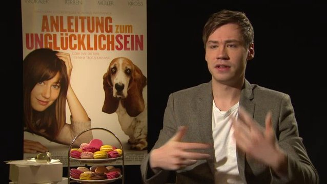David Kross - Benno - über das Buch - Interview Poster