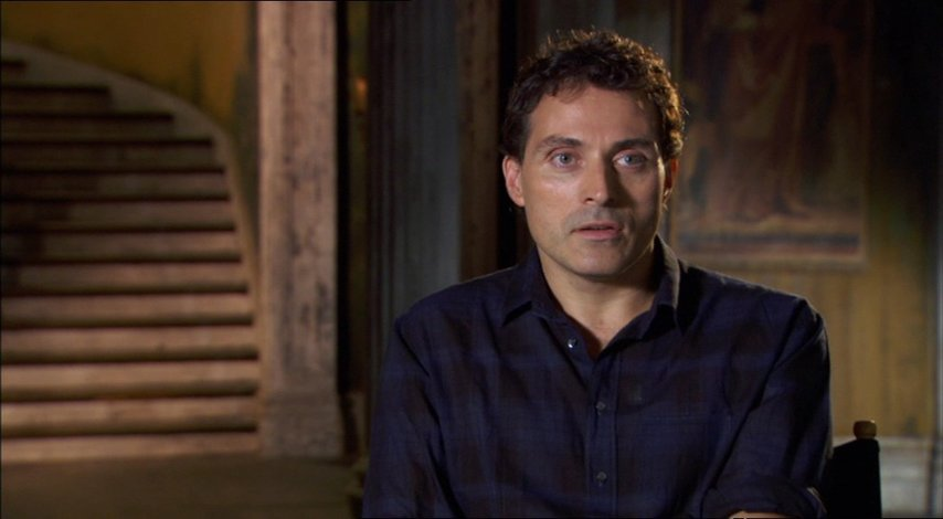 Rufus Sewell über seine Rolle - OV-Interview Poster