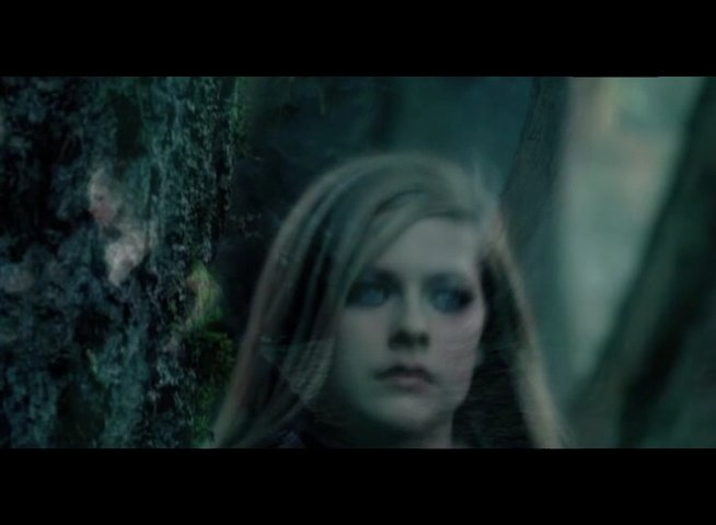 "Musikvideo: ""Avril Lavigne - Alice"" - Featurette Poster"