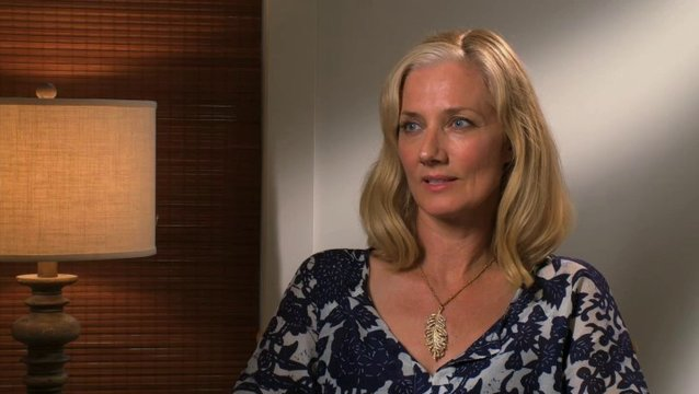 Joely Richardson - Anne Butterfield - über ihre Rolle - OV-Interview Poster