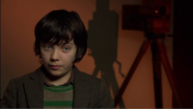 ASA BUTTERFIELD - Hugo Cabret - über seine Rolle - OV-Interview Poster
