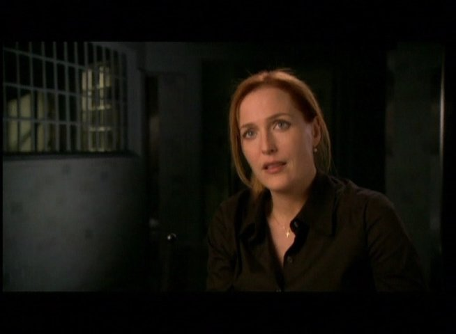 Interview mit Gillian Anderson (Dana Scully) - OV-Interview Poster