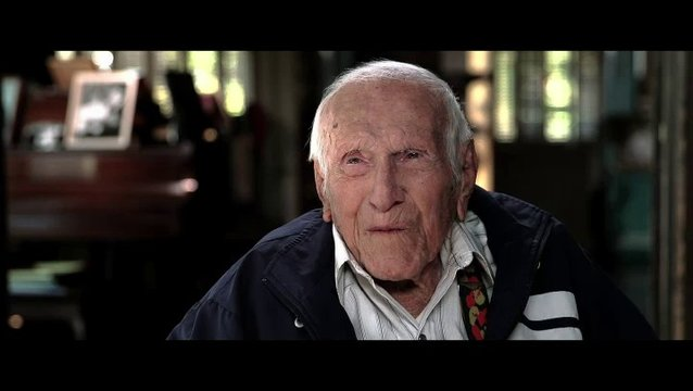 Louis Zamperini über Jack O Connell - OV-Interview Poster