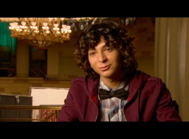 Adam Sevani / über die Battles - OV-Interview Poster