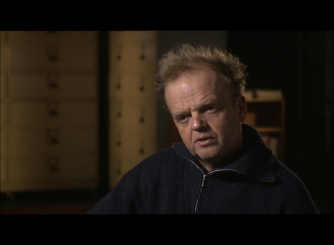 TOBY JONES -Percy Alleline- über seine Rolle - OV-Interview Poster