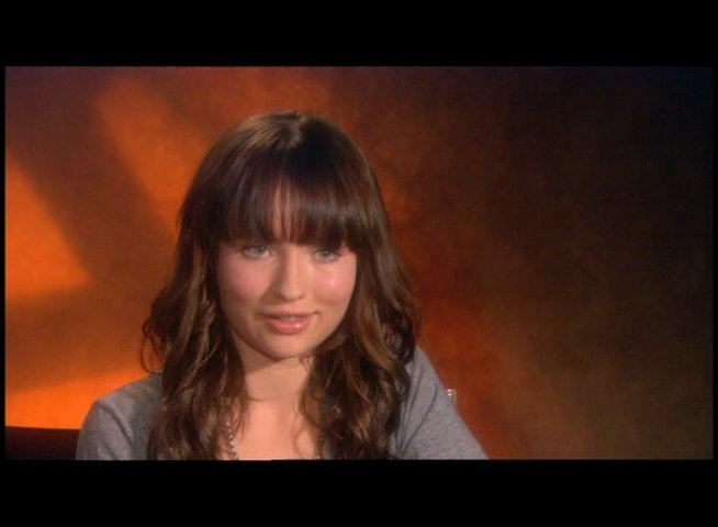 Interview mit Emily Browning (Anna) - OV-Interview Poster