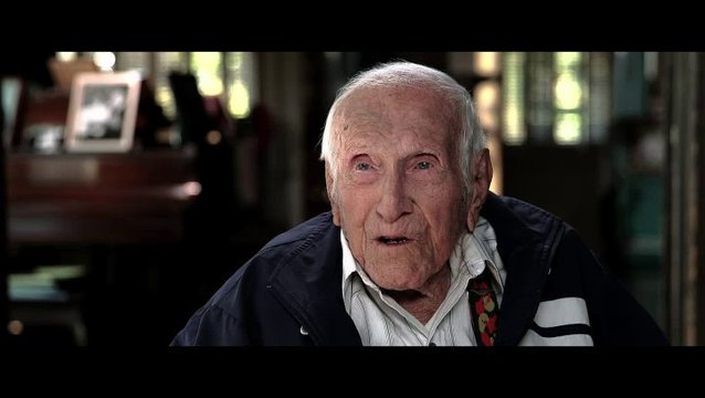 Louis Zamperini über Angelina Jolie - OV-Interview Poster