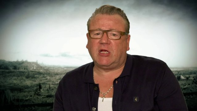 Ray Winstone - Tubal Cain - über seine Rolle - OV-Interview Poster