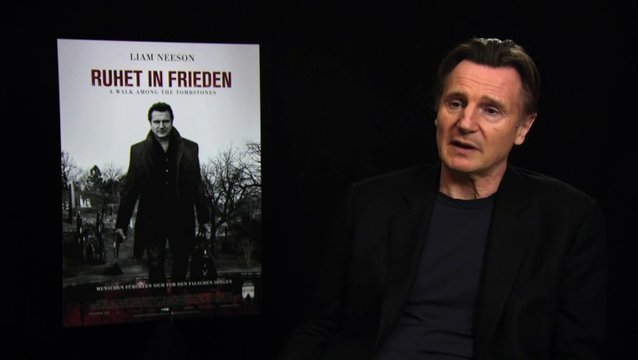 Liam Neeson über den Green-Wood-Friedhof - OV-Interview Poster
