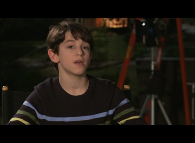 "Zachary Gordon - ""Greg Heffley"" / über seine Beziehung zu ""Rupert"" - OV-Interview Poster"