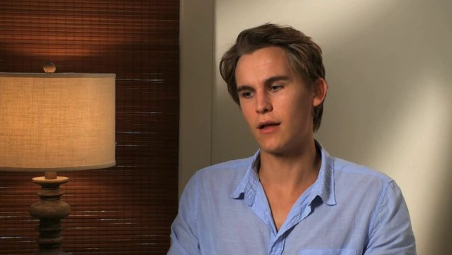 Rhys Wakefield - Keith Butterfield - über die Familie Butterfield - OV-Interview Poster