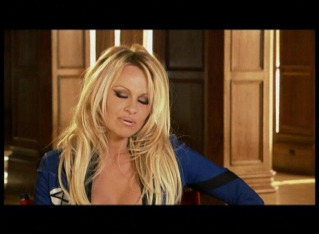 Interview mit Pamela Anderson (Invisible Girl) - OV-Interview Poster