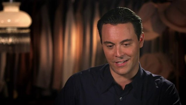 Jack Huston über Oona Chaplin - OV-Interview Poster