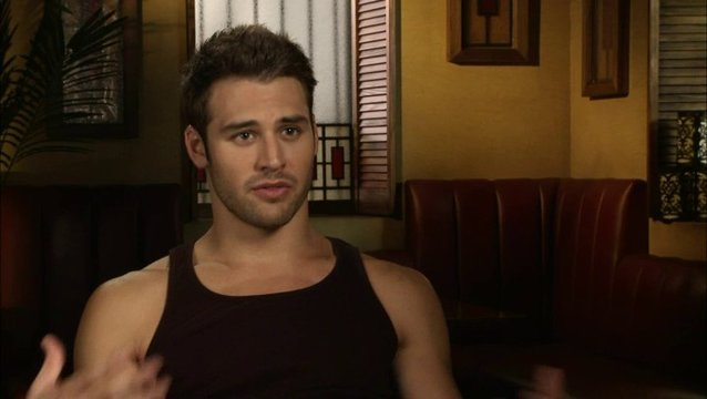 Ryan Guzman - Sean über die Story - OV-Interview Poster