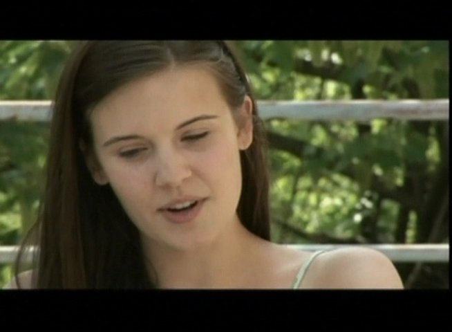 Interview mit Maggie Grace (Kim) - OV-Interview Poster