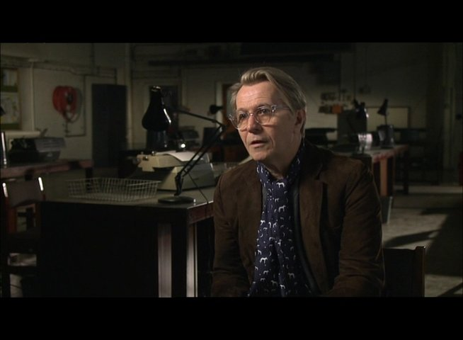 GARY OLDMAN -George Smiley- über den Anti-Bond - OV-Interview Poster