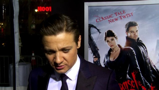 US Premiere - Jeremy Renner - Hänsel - über das Set - OV-Interview Poster