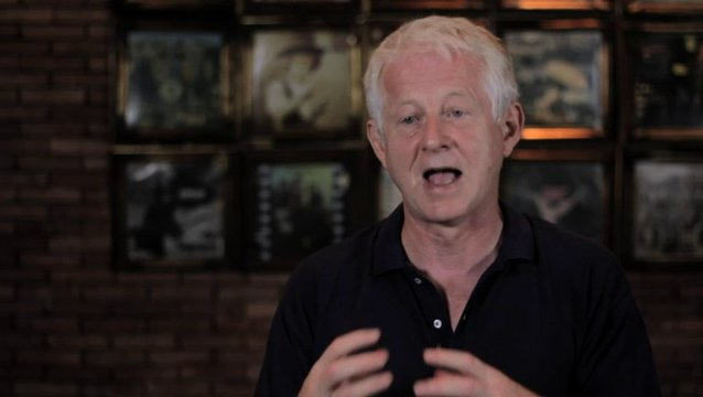 Richard Curtis über den Charme des Films - OV-Interview Poster