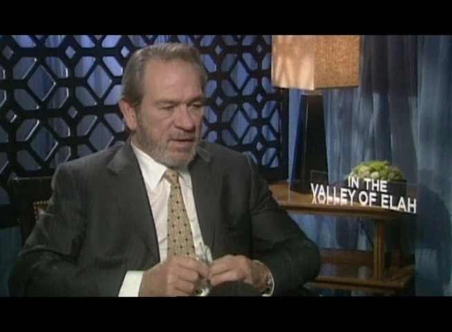 Interview mit Tommy Lee Jones ( Hank Deerfield ) - OV-Interview Poster
