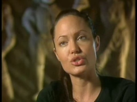 Interview mit Angelina Jolie (Lara Croft) Poster
