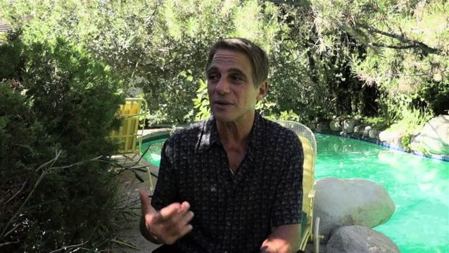Tony Danza über Don Jons Reise - OV-Interview Poster
