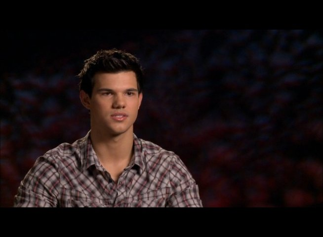 Taylor Lautner (Jacob Black) - über seine Rolle als Jacob - OV-Interview Poster