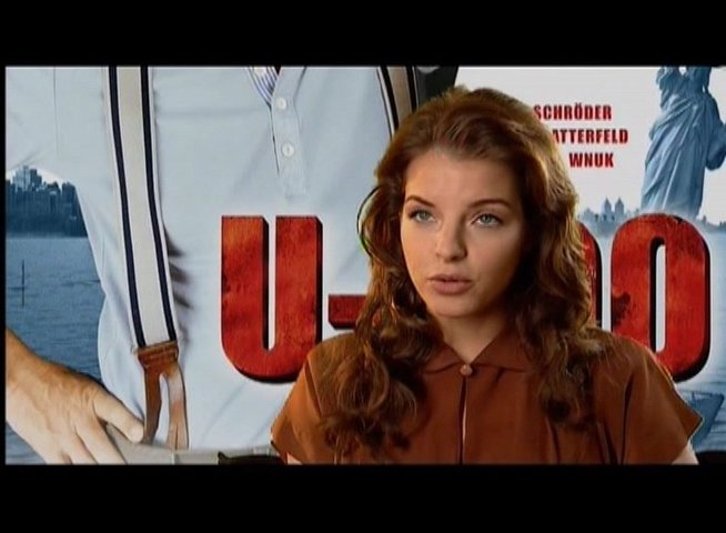 Interview mit Yvonne Catterfeld (Maria) Poster