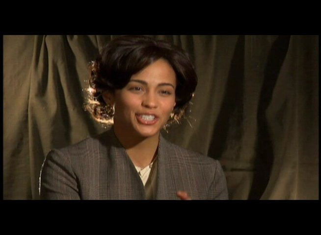 "PAULA PATTON - ""Miss Rain"" über die Message des Films - OV-Interview Poster"